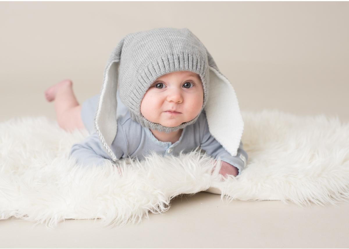 Babyfotografering i Täby bebisfoto Barnfotograf Blicka studio vid Täby Centrum