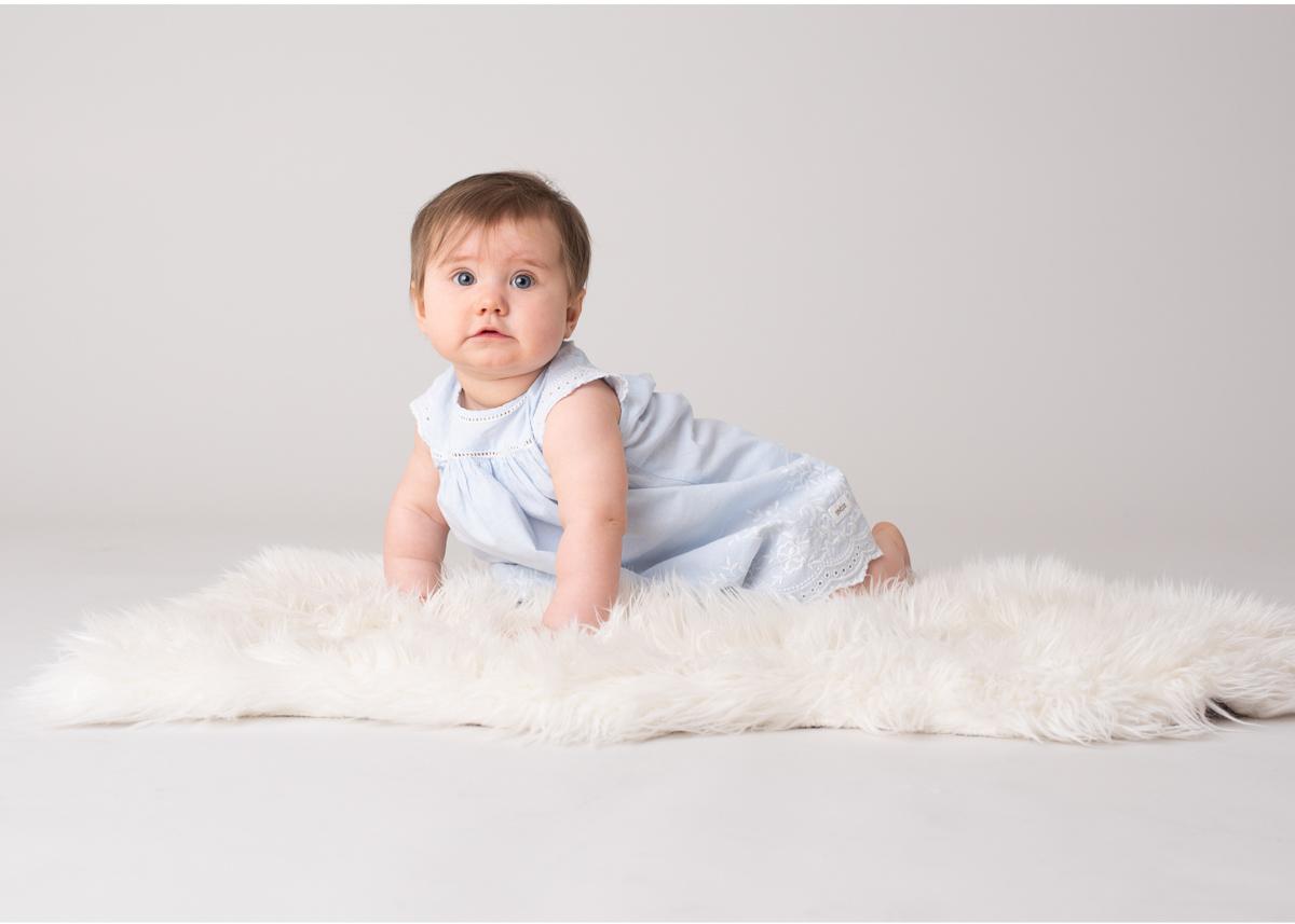 Barnfotograf Täby Babyfoto Fotostudio Täby Familjefotograf Täby