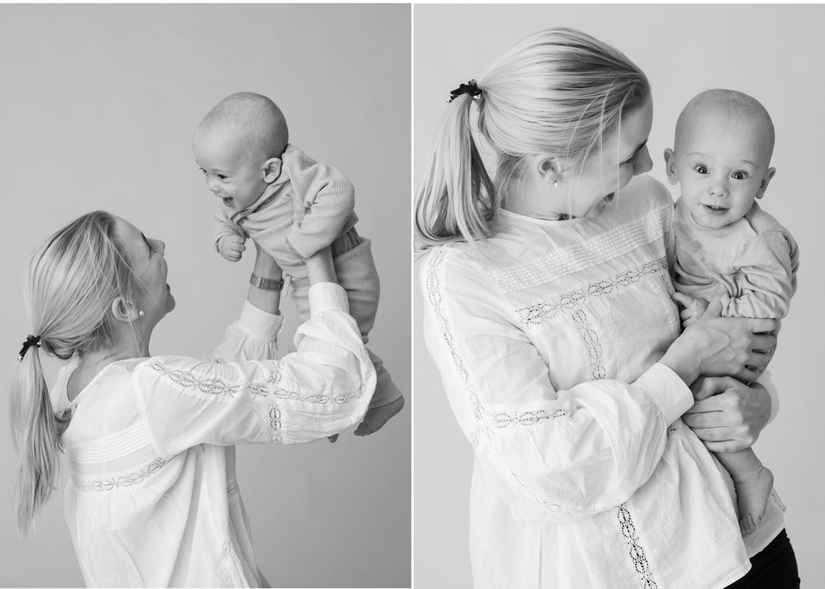 Bebisfotografering i Stockholm Svartvitt bebisporträtt Studioporträtt barnfotograf Täby Stockholm BLICKA studio Täby Centrum
