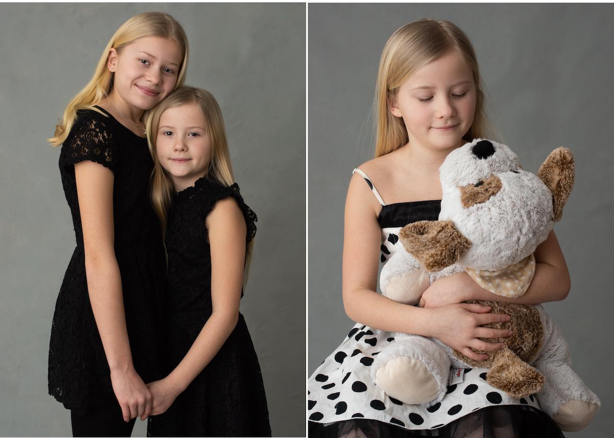 Personliga barnporträtt syskonporträtt i studio barnporträtt med gosedjur
