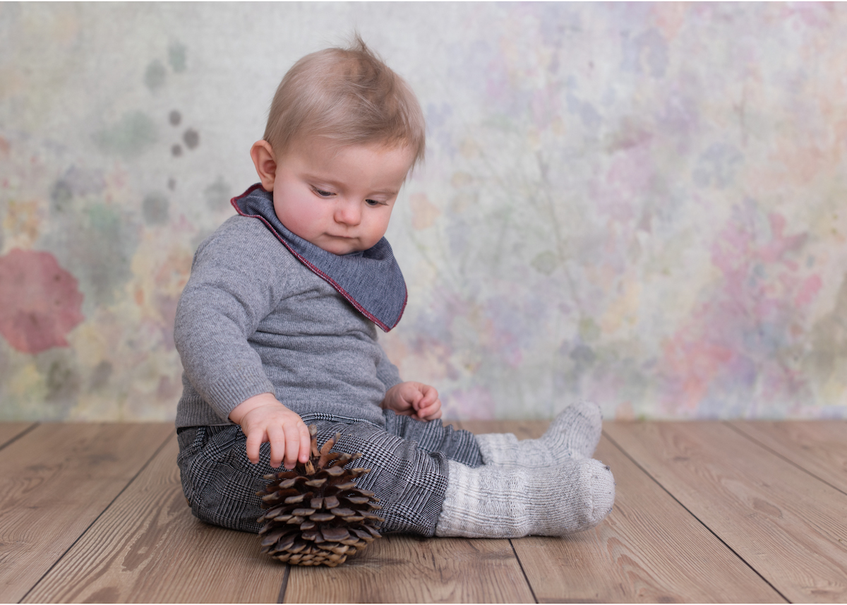 Babyfotografering i studio med 9-månaders bebis